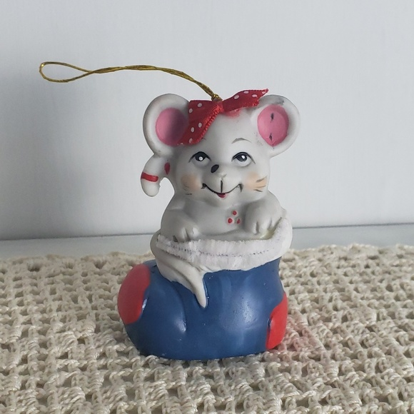 Vintage Other - 1986 Vintage Mouse in Stocking Christmas Ornament